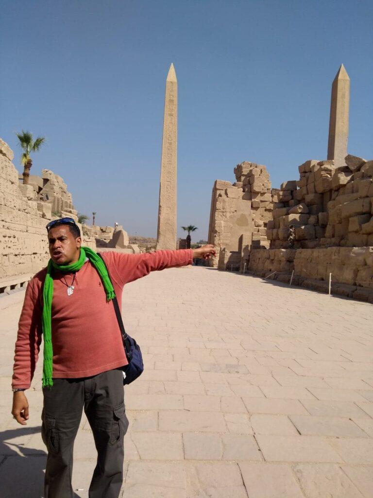 sprievodca Mimo v Karnaku