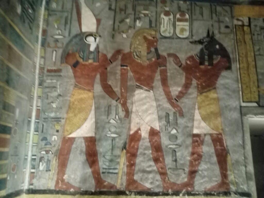 vyzdoba hrobky